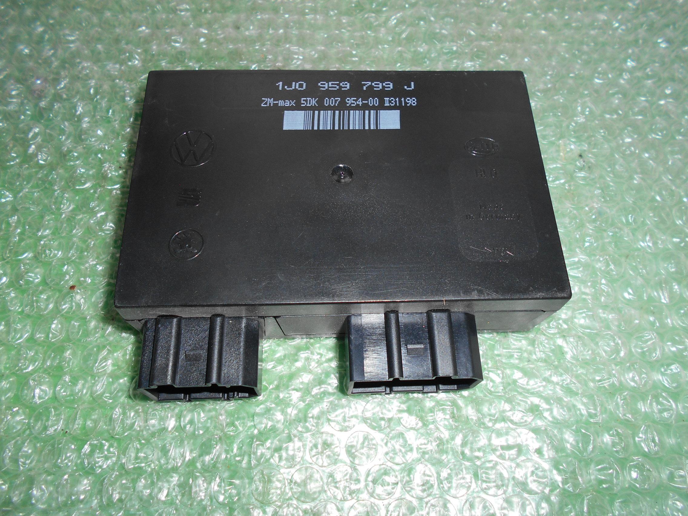 MODULO DE APOYO DE CONFORT 1J0959799J – HELLA 5DK007954-00 SEAT LEON I – SEAT TOLEDO II – VOLKSWAGEN GOLF IV – VW PASSAT (B5)(1999-2004)